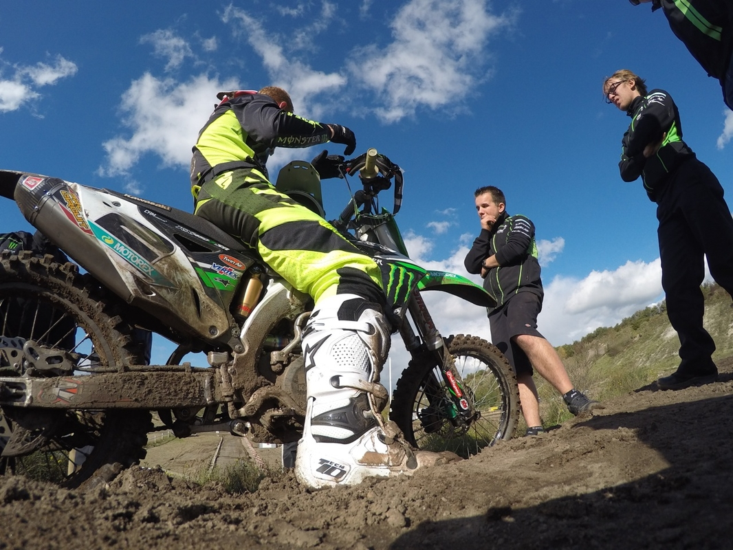 behind-the-scenes-with-ryan-villopoto-6_gallery_full